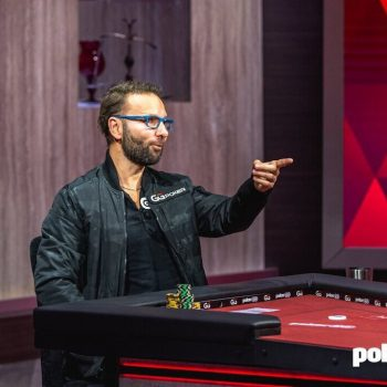 Daniel Negreanu memulai dengan memenangkan duel ke Doug Polk
