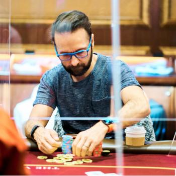memecahkan kaca plexiglass di Venetian / Pokerlogia