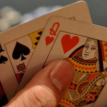 Cara Memainkan Big Hand di Awal Turnamen